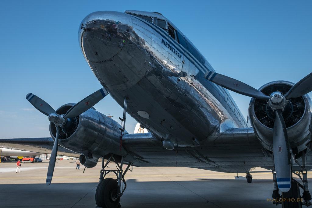 DC-3 Nase