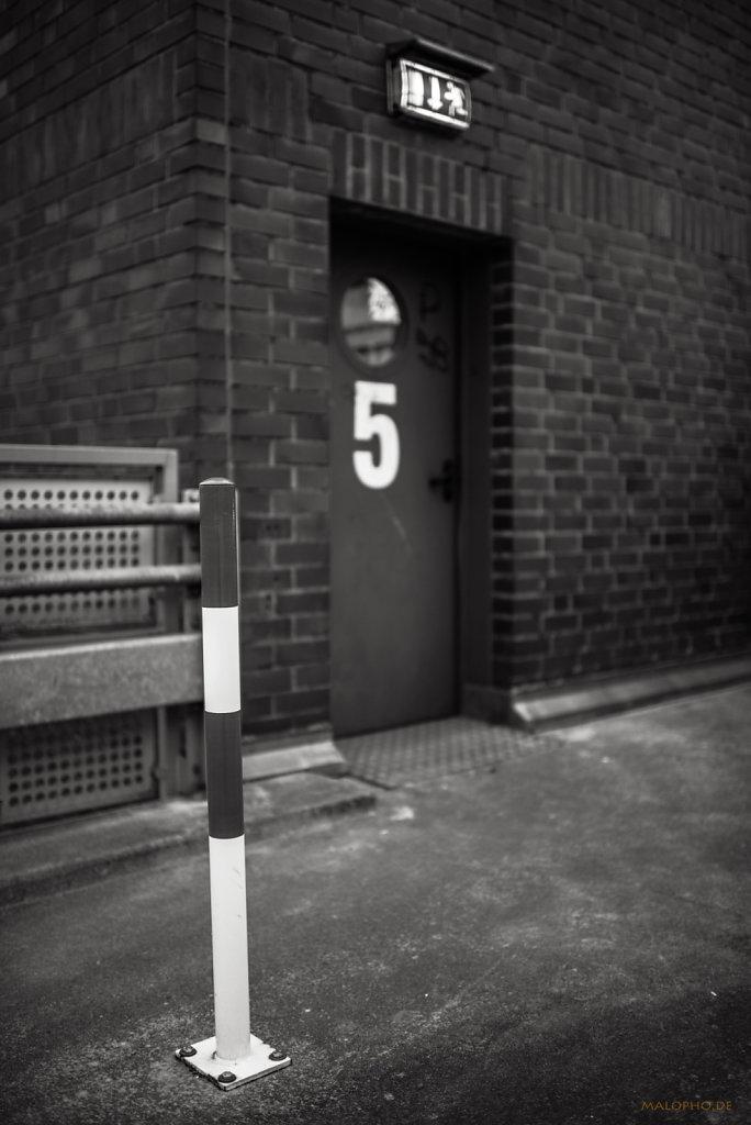 Tür 5