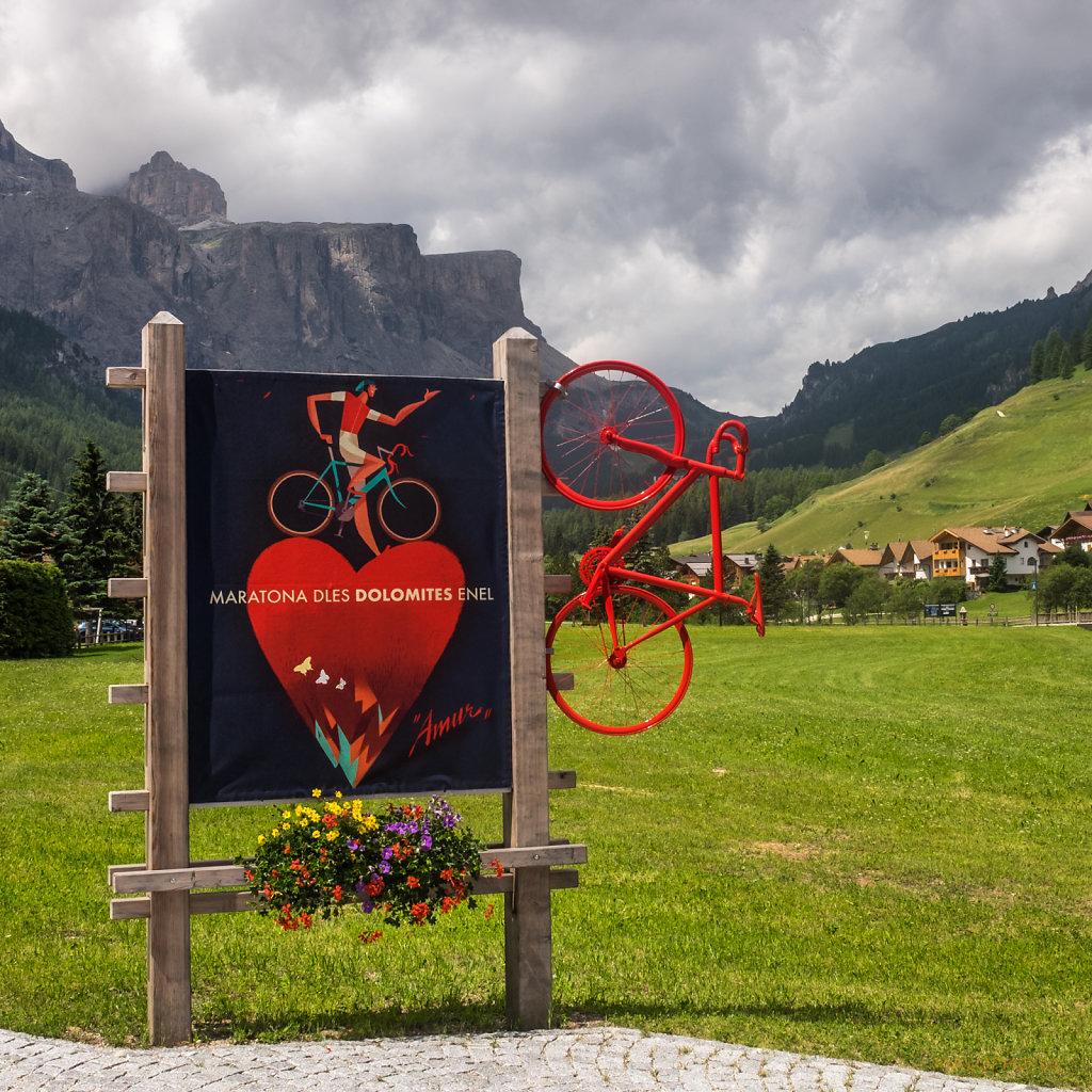 Rotes Rad und Herz