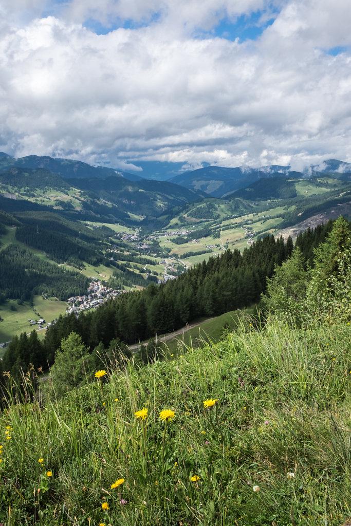 Almwiesen vor La Villa