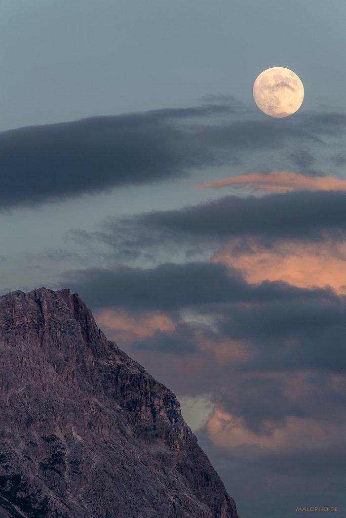 Mond über Lagazoui-2