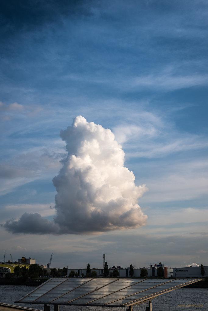 Wolkenlandung