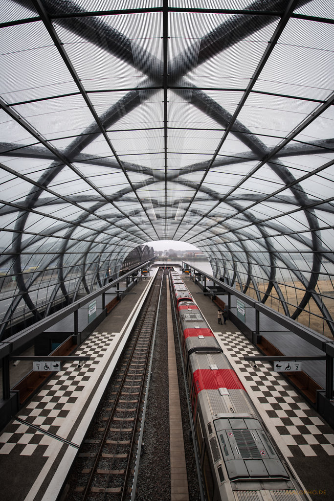 Bahnsteig und Dach