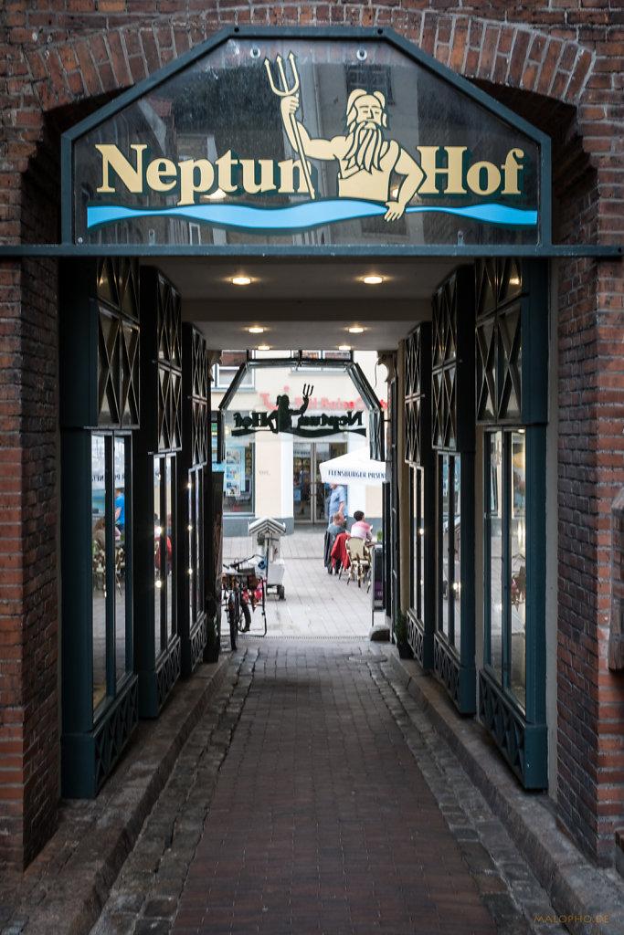 Neptun Hof Eingang