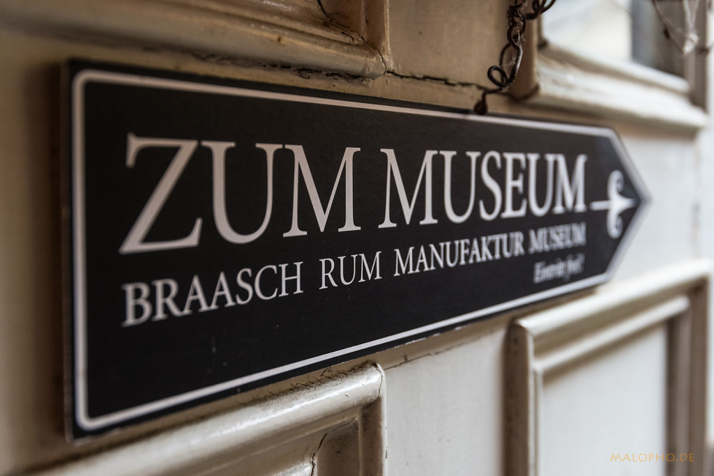 Zum Museum