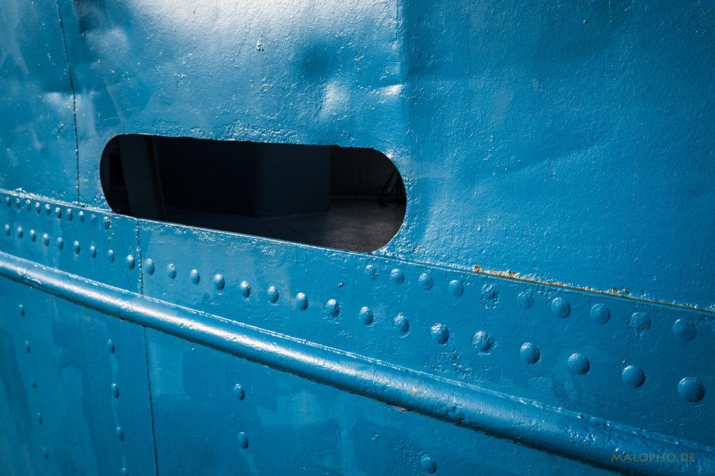 Öffnung in Blau