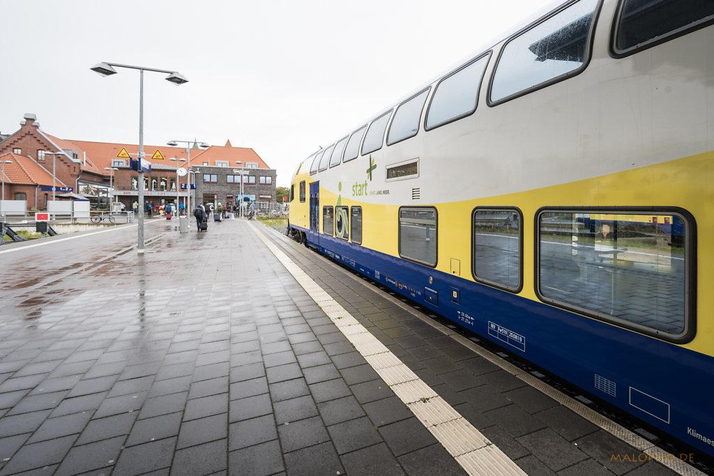 Bahnsteig Cuxhaven-1