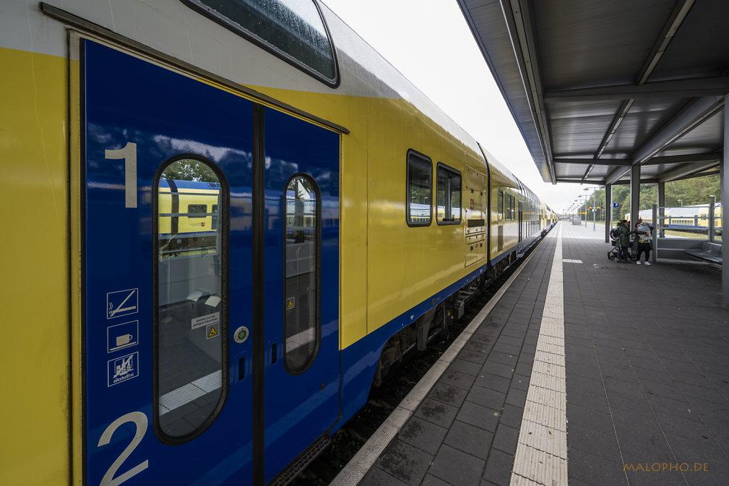 Bahnsteig Cuxhaven-2