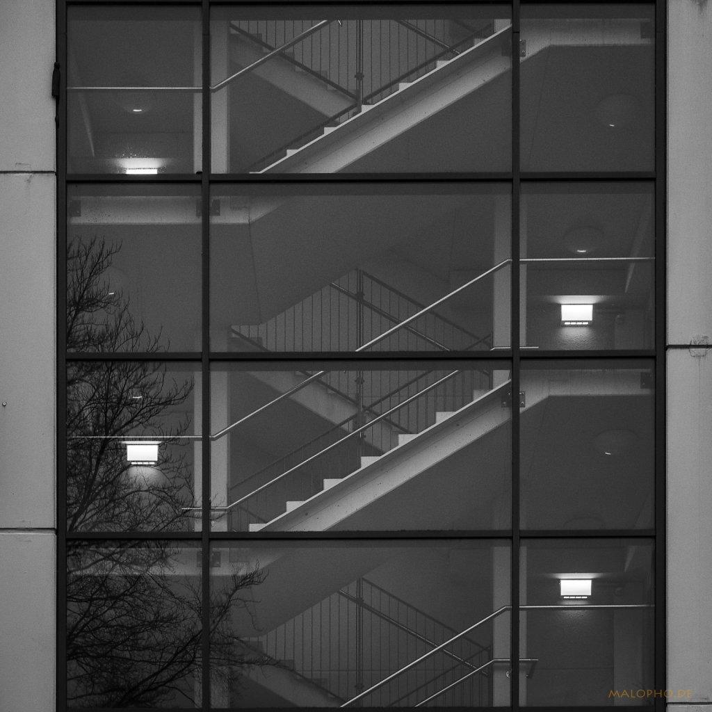 01 | 05 - Parkhaustreppe