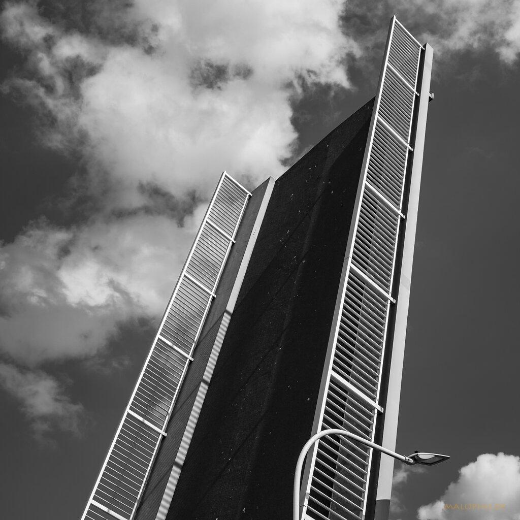 08 | 15 - Sperrwerkbrücke