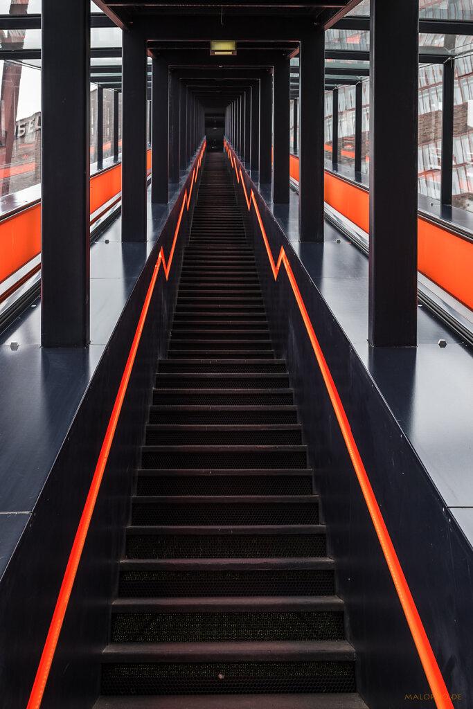 Treppe Orange I