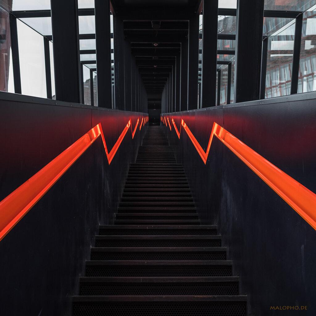 Treppe Orange III