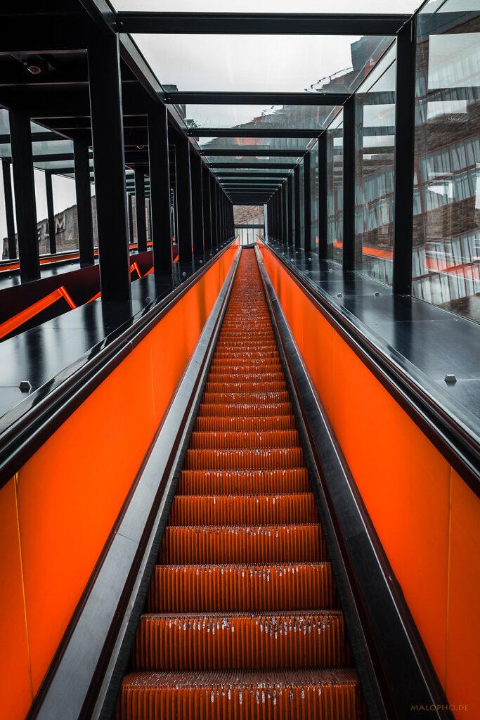 Rolltreppe Orange I