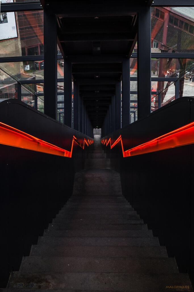 Treppe Orange IV