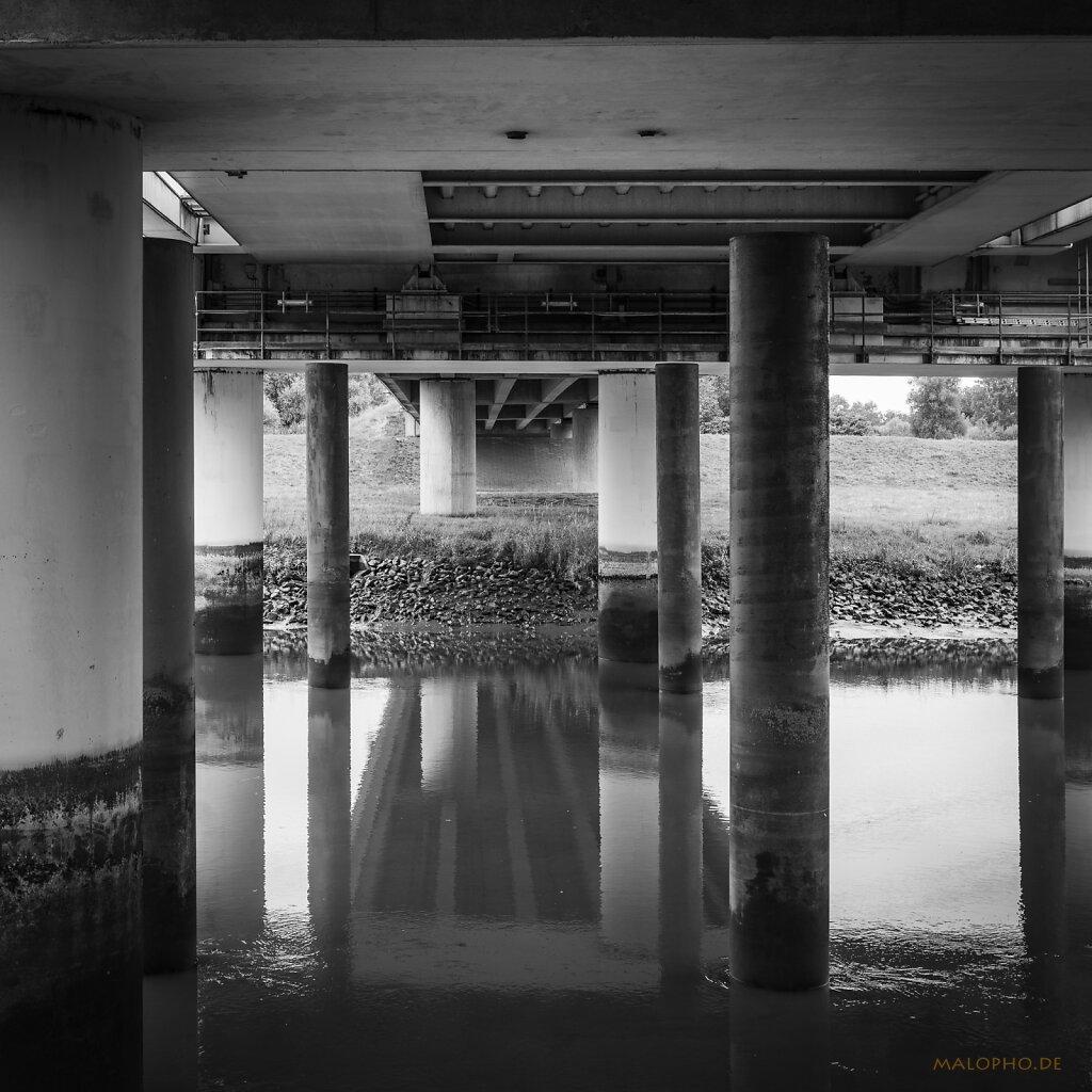 09 | 02 - Unter der Brücke